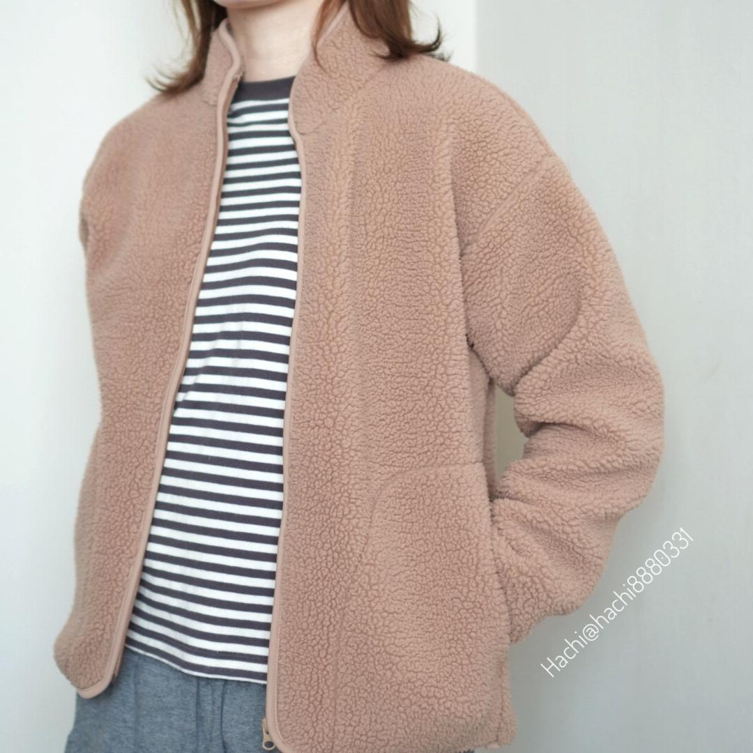 無印良品のストレッチボアフリースジャケット着用画像