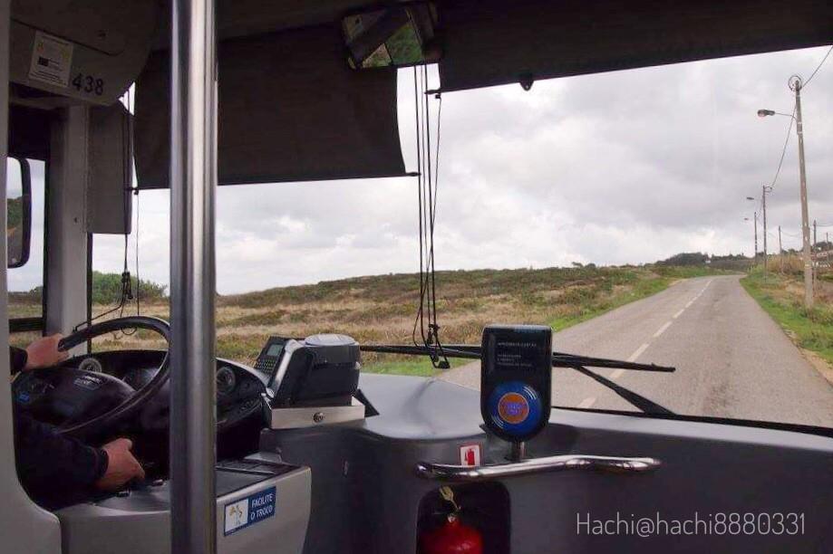 ロカ岬へ向かうバスの中、ロカ岬が近い