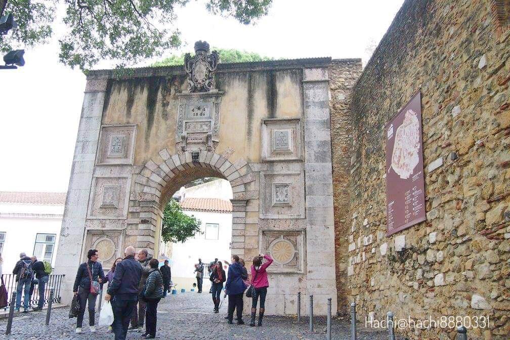 サン・ジョルジェ城の入口