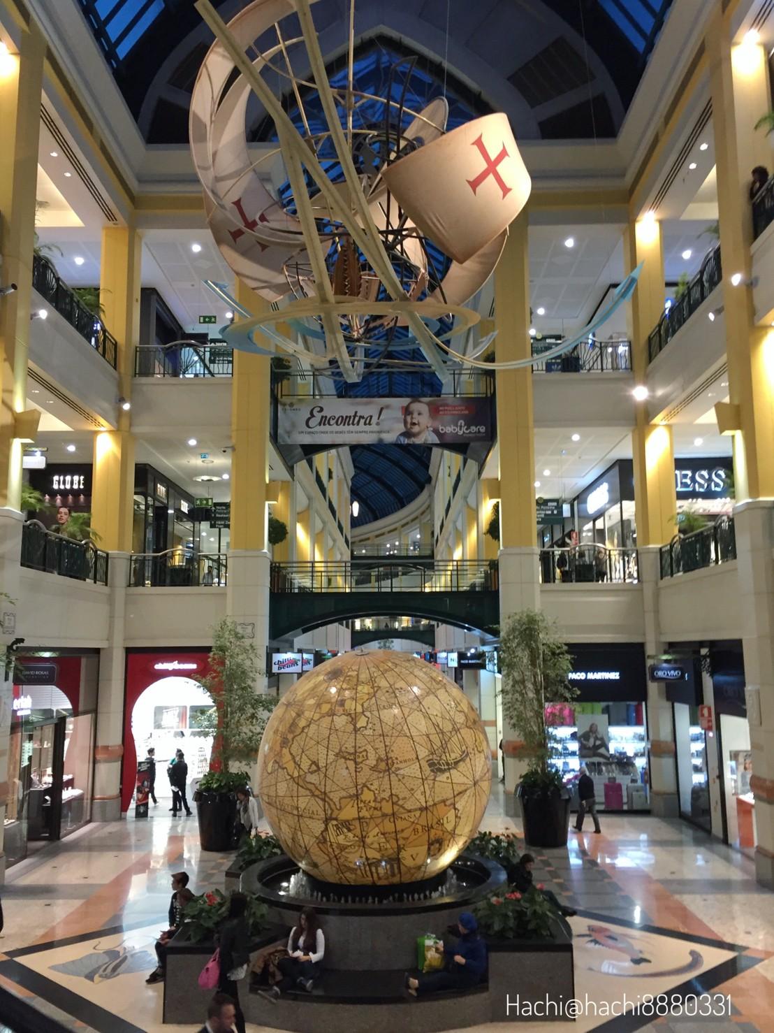 コロンボ(Colombo Shopping Centre)のモニュメント