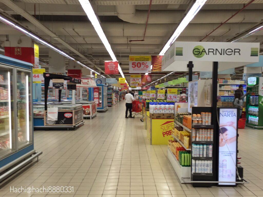 コロンボ(Colombo Shopping Centre)の食品コーナー