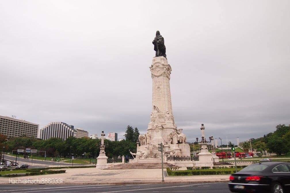 ポルトガルのマルケス・デ・ポンバル広場(Estátua do Marquês de Pombal)