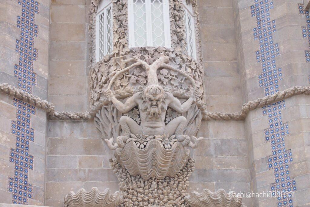 ペーナ宮殿海の守護神トリトン