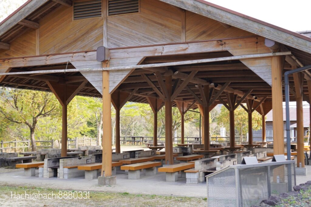 豊田湖畔キャンプ場のBBQハウス