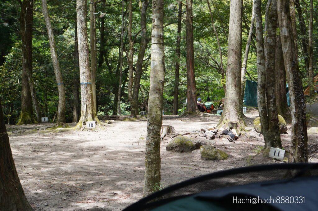 寂地峡キャンプ場のテントサイト 11番や10番も近い
